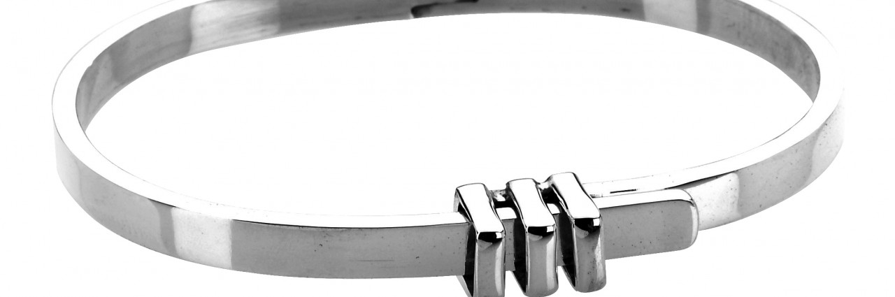 Sterling silver belt fastening bangle