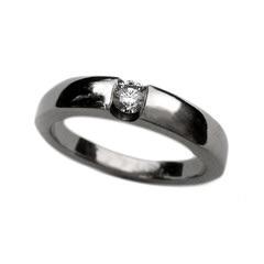 Palladium brilliant cut diamond ring